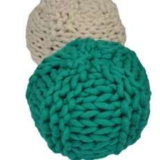 arm knitting pouffe tutorial