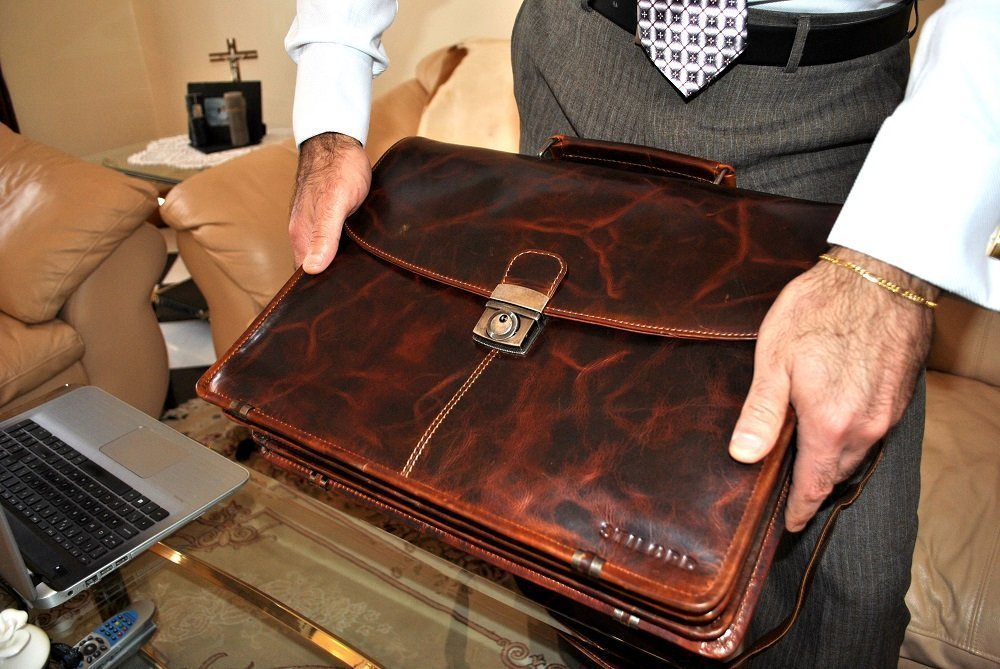 leather briefcase review